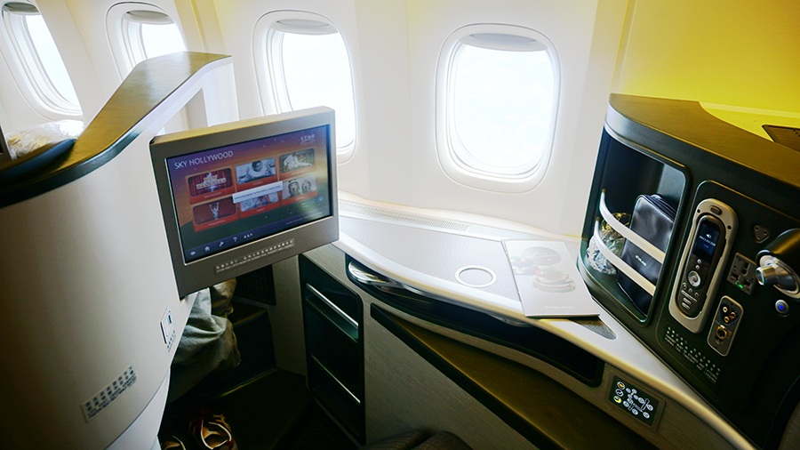 Eva Air Business Class Boeing 777 15