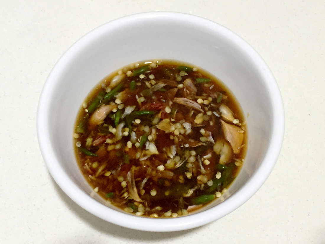 Boiled chicken with fish sauce 12