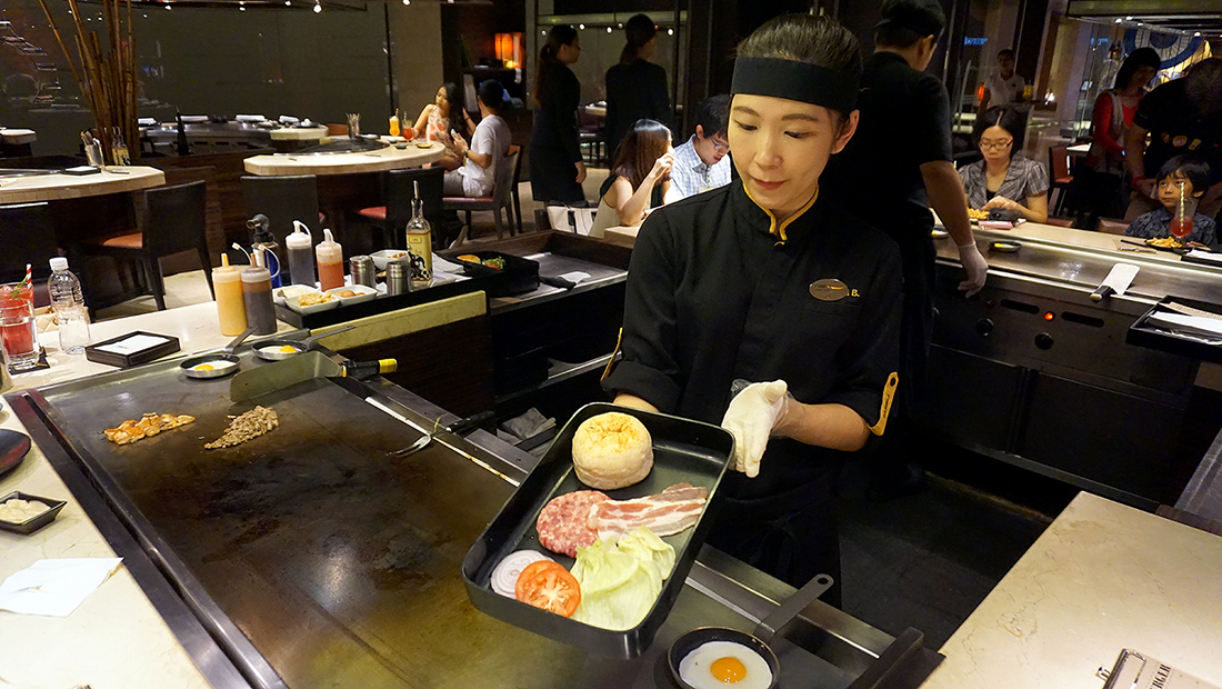 NAMI BURGERS AND RAMEN JW MARRIOTT BANGKOK 6