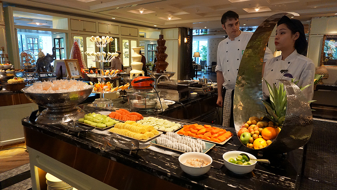 Sunday Brunch The Rain Tree Cafe Plaza Athenee Bangkok A Royal Meridien 39