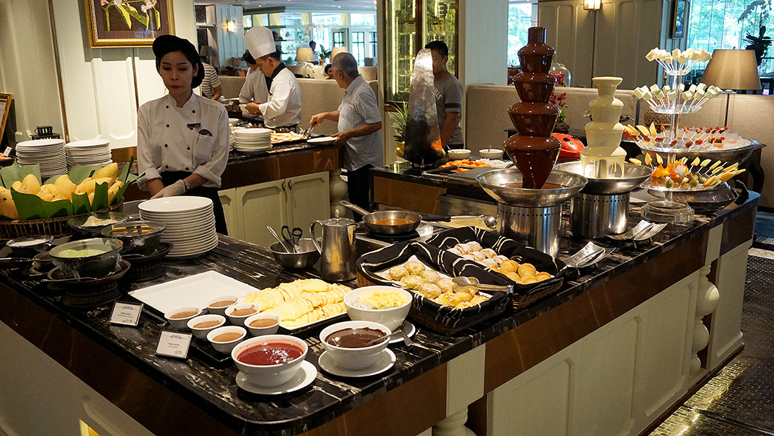 Sunday Brunch The Rain Tree Cafe Plaza Athenee Bangkok A Royal Meridien 40