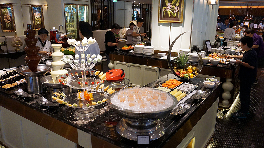 Sunday Brunch The Rain Tree Cafe Plaza Athenee Bangkok A Royal Meridien 44