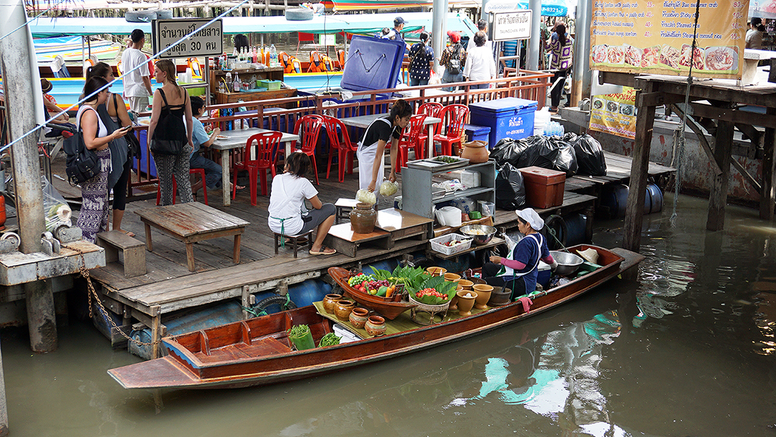 Taling Chan Floating Market 25