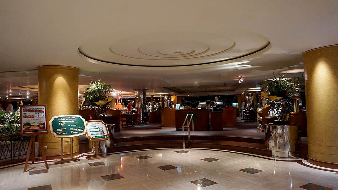 International Buffet and Seafood COFFEE SHOP The Emerald Hotel 1