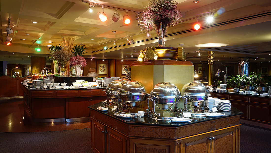International Buffet and Seafood COFFEE SHOP The Emerald Hotel 14