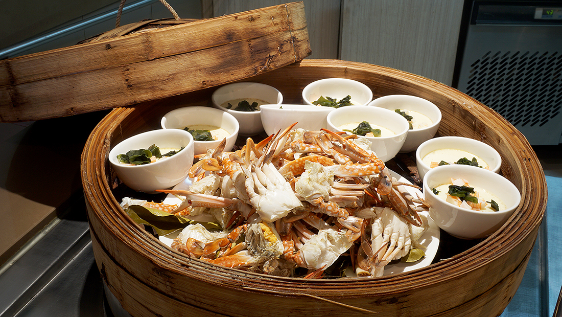 All You Can Eat Crab The Square Novotel Bangkok Fenix Silom 4