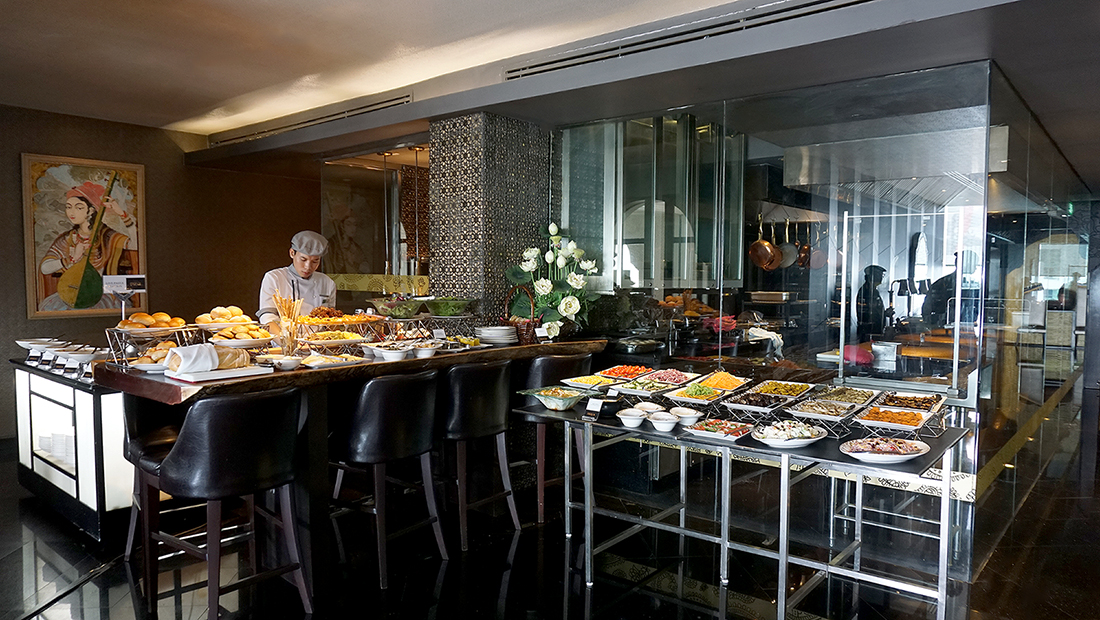 Indian Sunday Brunch Maya Holiday Inn Bangkok Sukhumvit 13