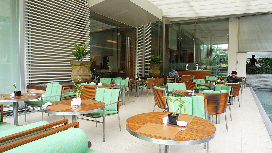 MoMo Cafe International Lunch Buffet Courtyard by Marriott 3