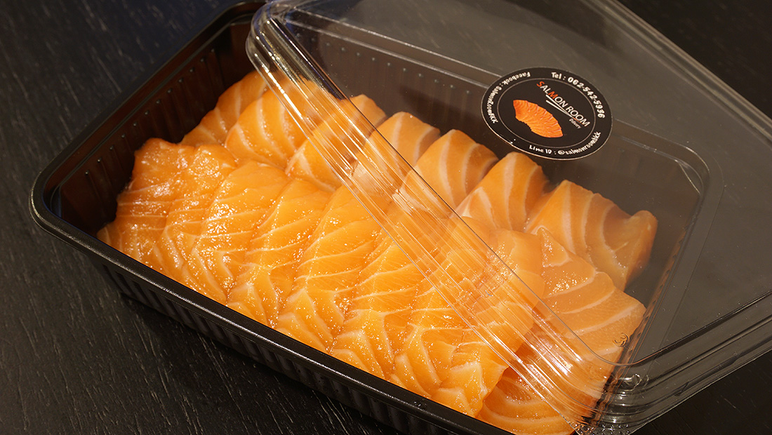 SALMON ROOM Delivery 1