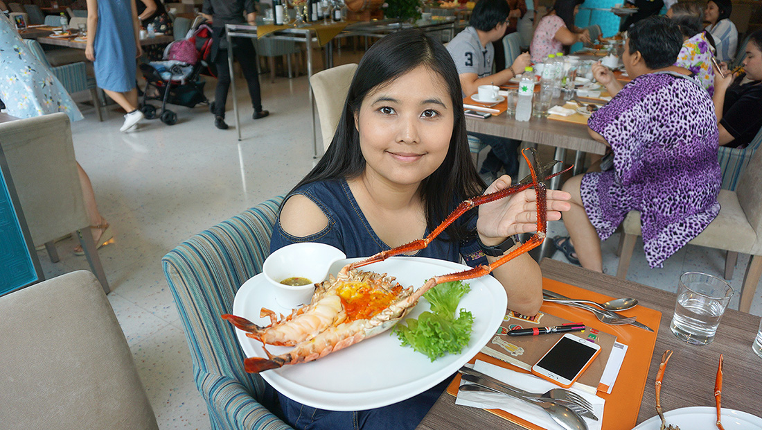 The Square Novotel Bangkok Impact Grilled Giant River Prawn 38