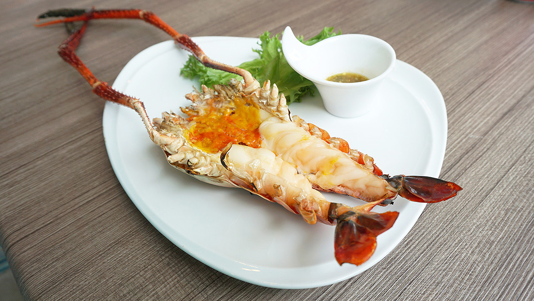 The Square Novotel Bangkok Impact Grilled Giant River Prawn 39