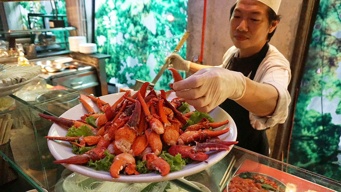 Live LOBSTER Sunday Brunch Siam at Siam Design Hotel Bangkok 40