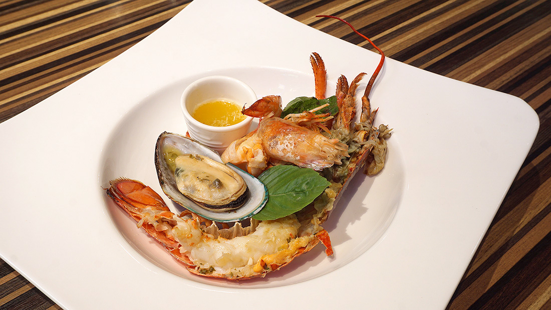 Live LOBSTER Sunday Brunch Siam at Siam Design Hotel Bangkok 45