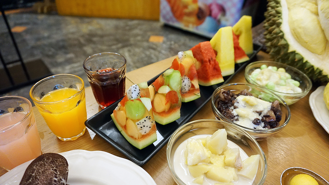 Fruit Court Baiyoke Sky Hotel 31