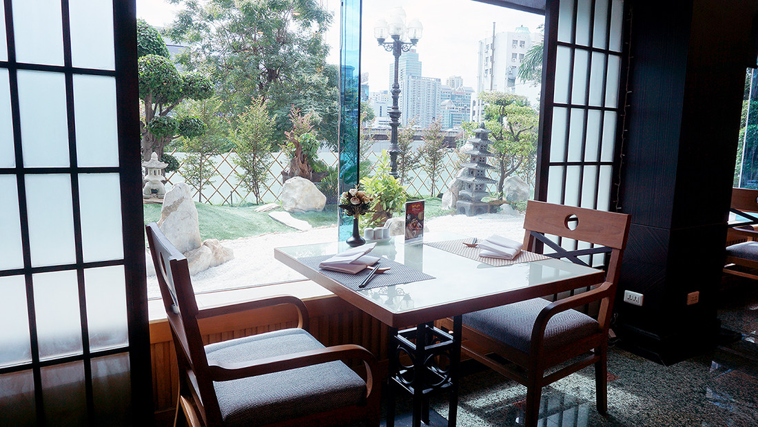 Nishiki Japanese Restaurant Golden Tulip Sovereign Hotel Bangkok 4