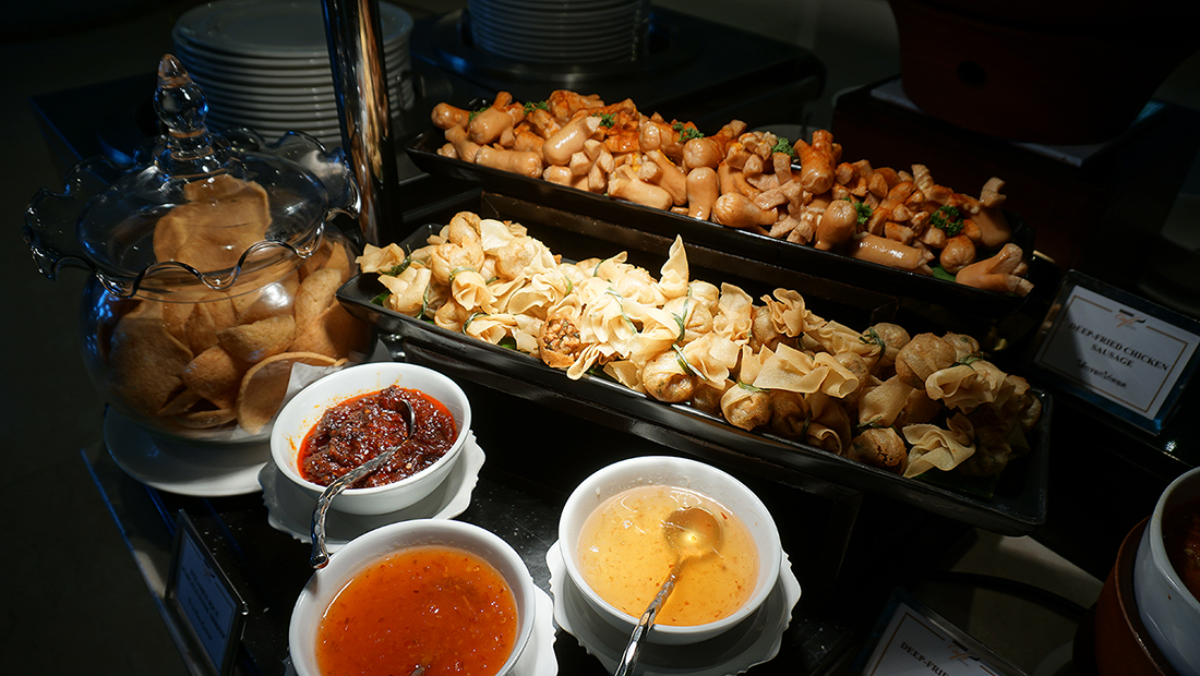 International Buffet Grand Cafe The Grand FourWings 17