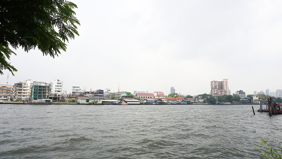 NYE Cafestaurant AMDAENG Bangkok Riverside Hotel 7