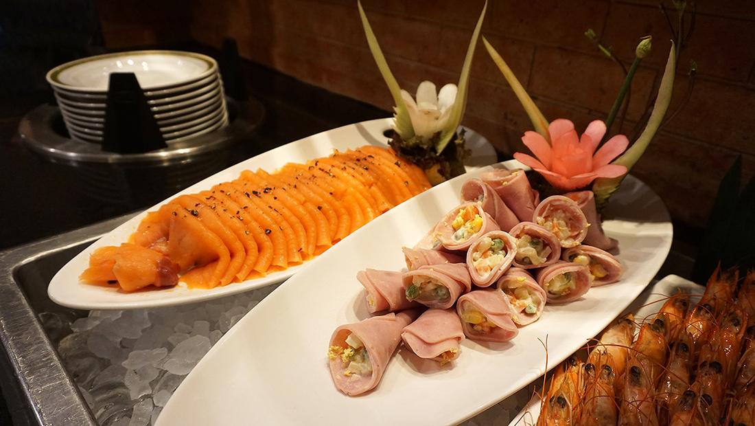 92 Cafe Golden Tulip Sovereign Bangkok 13