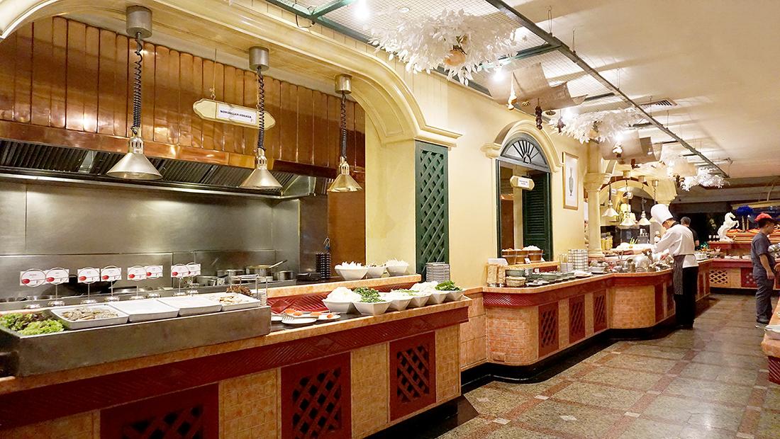 92 Cafe Golden Tulip Sovereign Bangkok 3