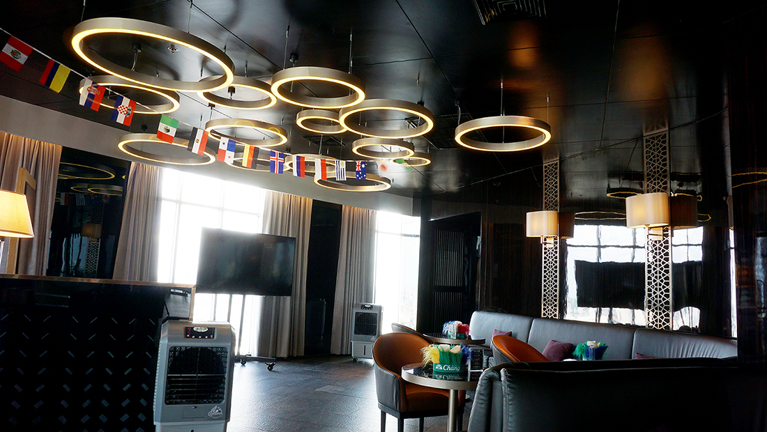 ZOOM Sky Lounge at Anantara Sathorn Bangkok Hotel 4
