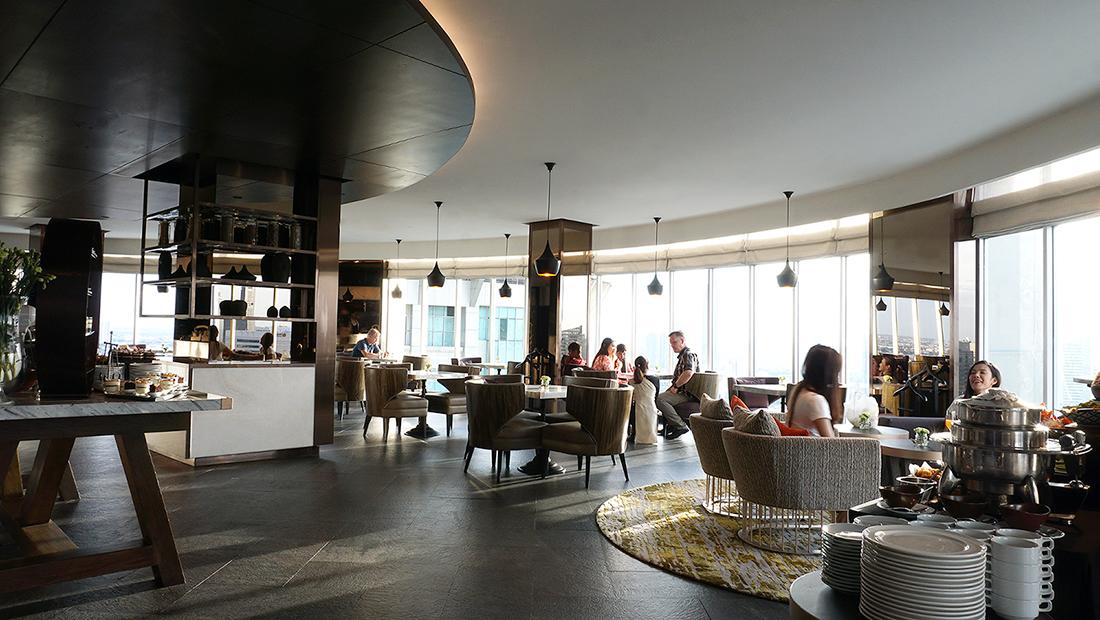 ZOOM Sky Lounge at Anantara Sathorn Bangkok Hotel 5