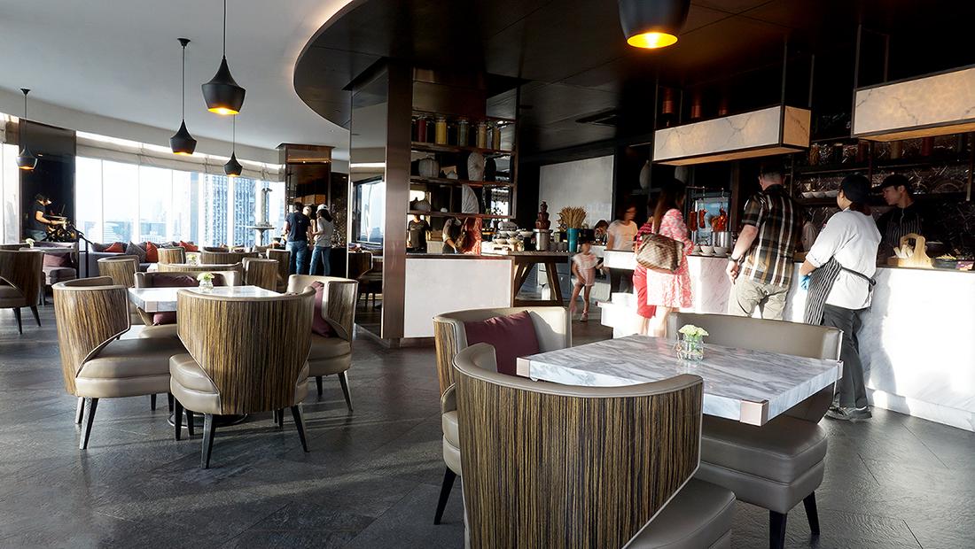 ZOOM Sky Lounge at Anantara Sathorn Bangkok Hotel 6