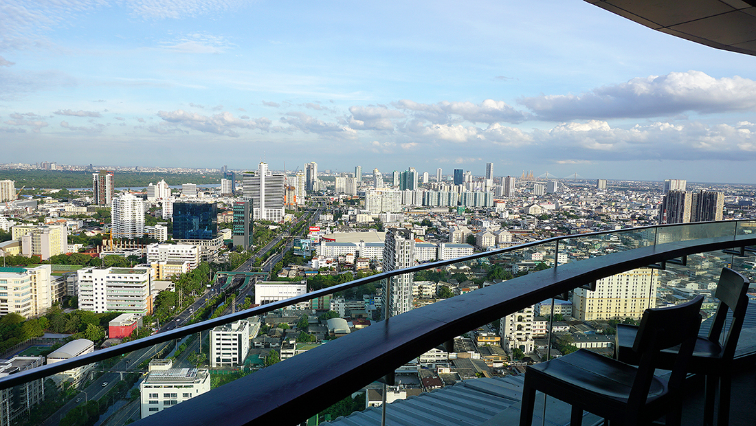 ZOOM Sky Lounge at Anantara Sathorn Bangkok Hotel 7
