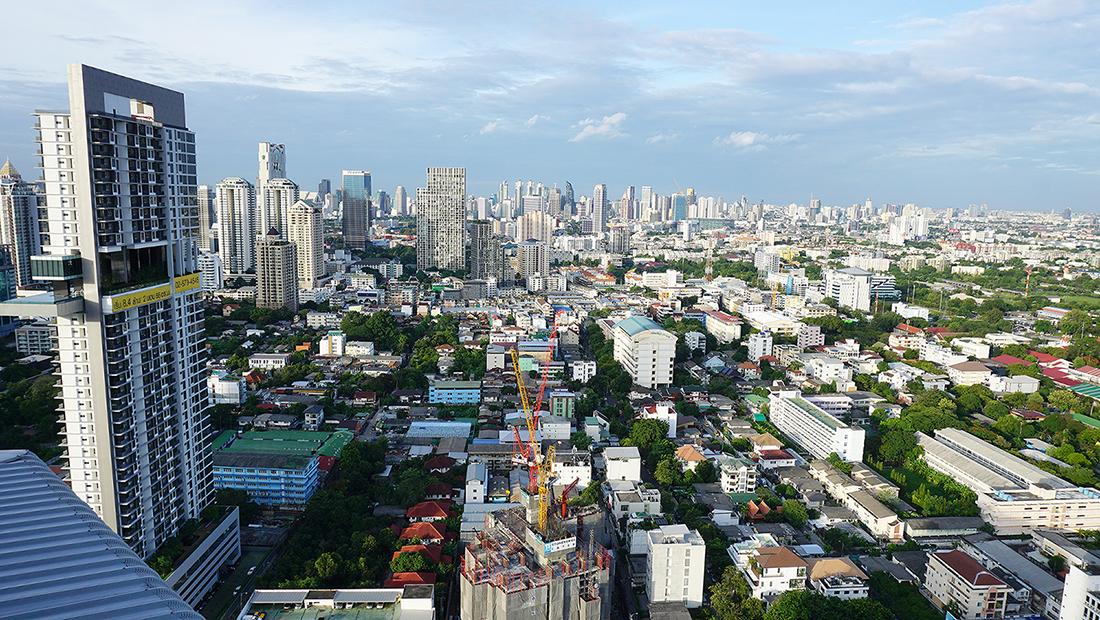 ZOOM Sky Lounge at Anantara Sathorn Bangkok Hotel 8