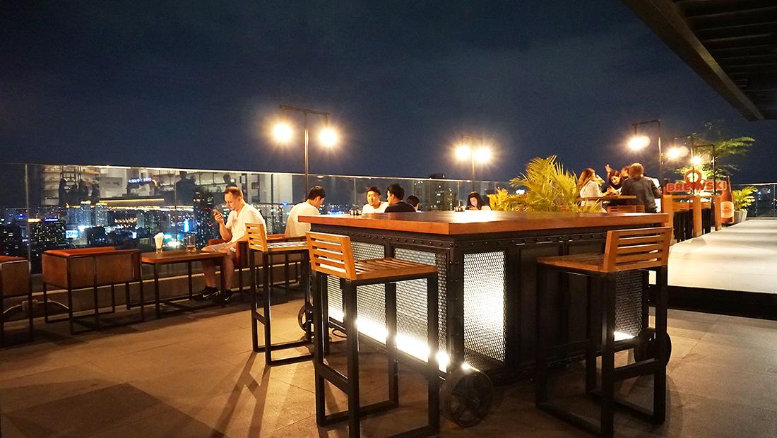Brewski Radisson Blu Plaza Bangkok 18