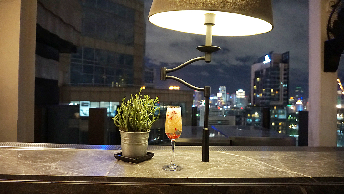 CHAR Restaurant and Rooftop Bar Hotel Indigo Bangkok Wireless Road 34