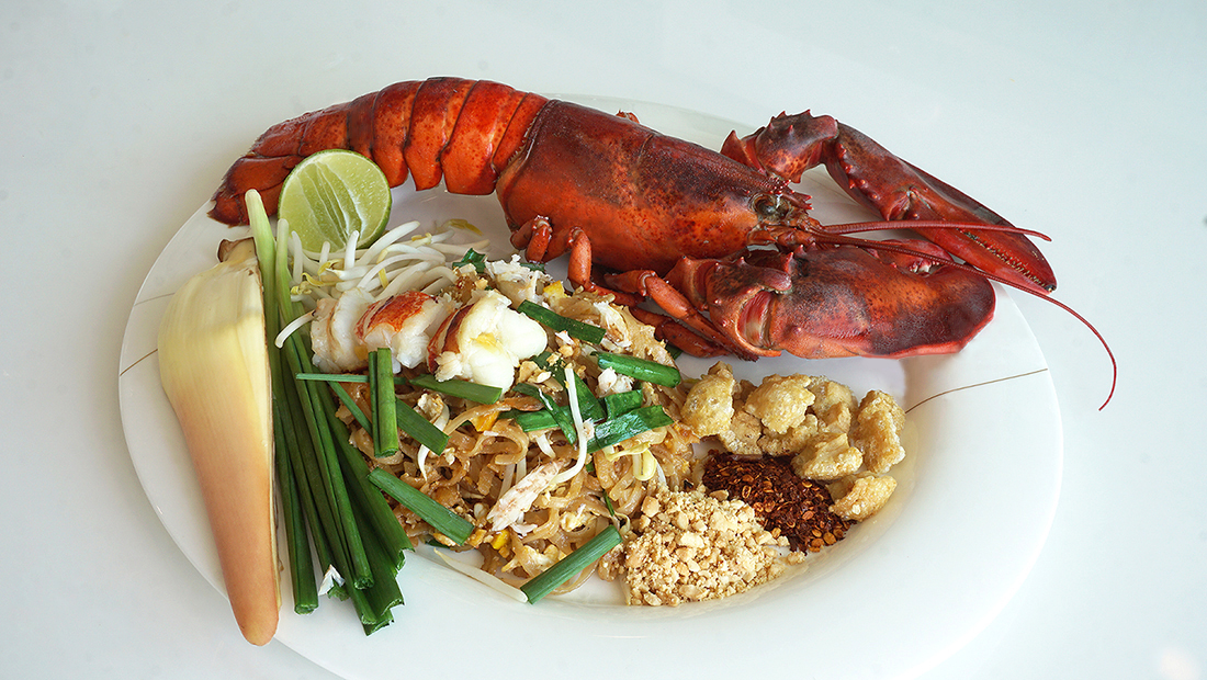 Pad Thai Maine Lobster 26