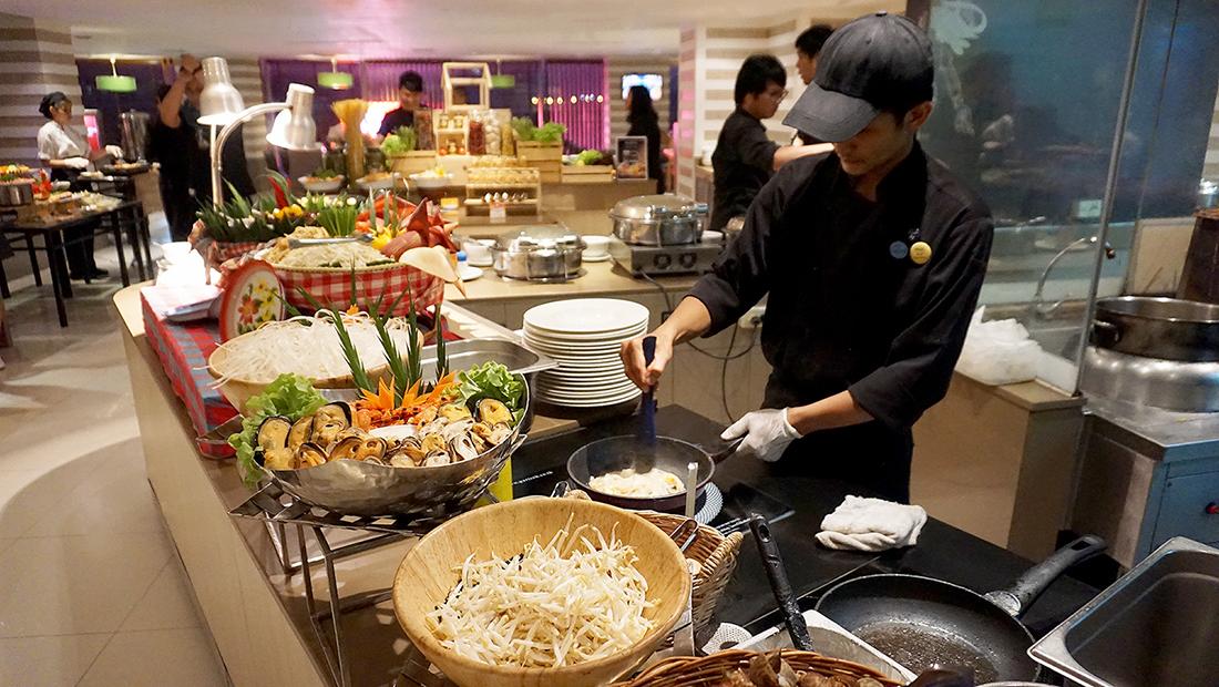 Prawns Ja Season 2 Novotel Hotels and Resorts Bangkok Fenix Silom 10