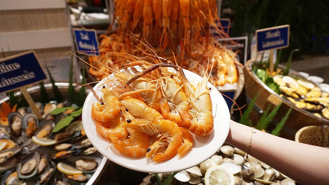 Prawns Ja Season 2 Novotel Hotels and Resorts Bangkok Fenix Silom 37