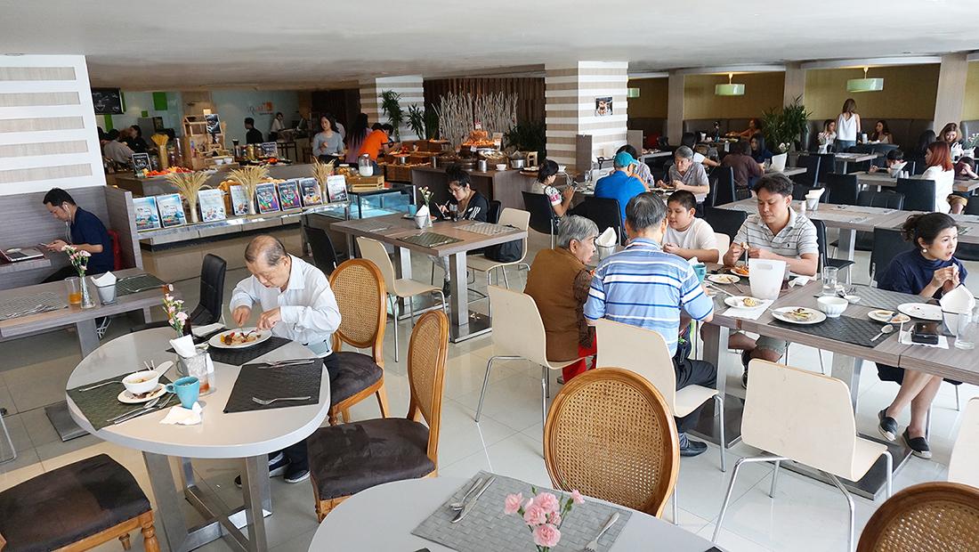 Buffet Brunch Novotel Bangkok Fenix Silom 2