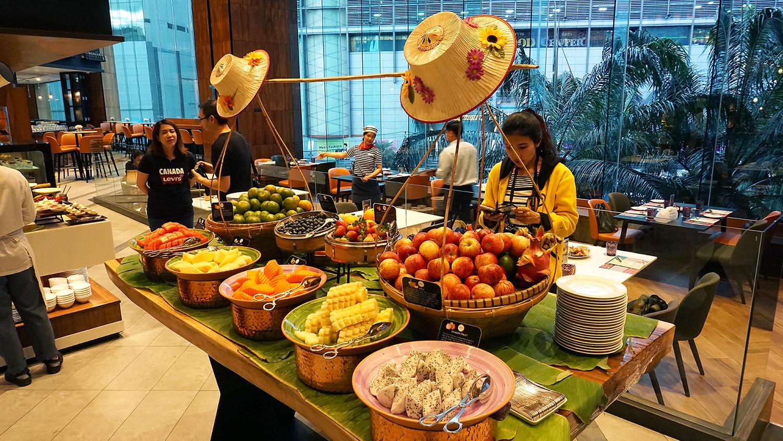 Buffet Seafood Amaya Food Gallery Amari Watergate Bangkok 45