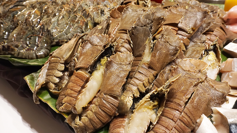 Craving Seafood Market Seafood Dinner Fri-Sat Buffet Crave Wine Bar and Restaurant A Loft Bangkok Sukhumvit 11 13