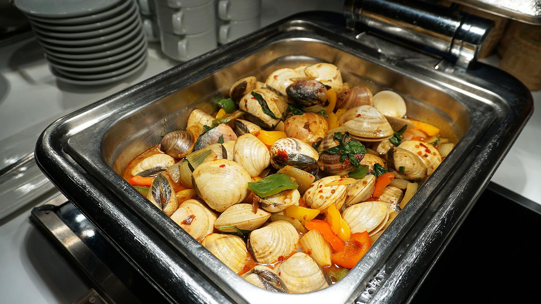 Craving Seafood Market Seafood Dinner Fri-Sat Buffet Crave Wine Bar and Restaurant A Loft Bangkok Sukhumvit 11 18