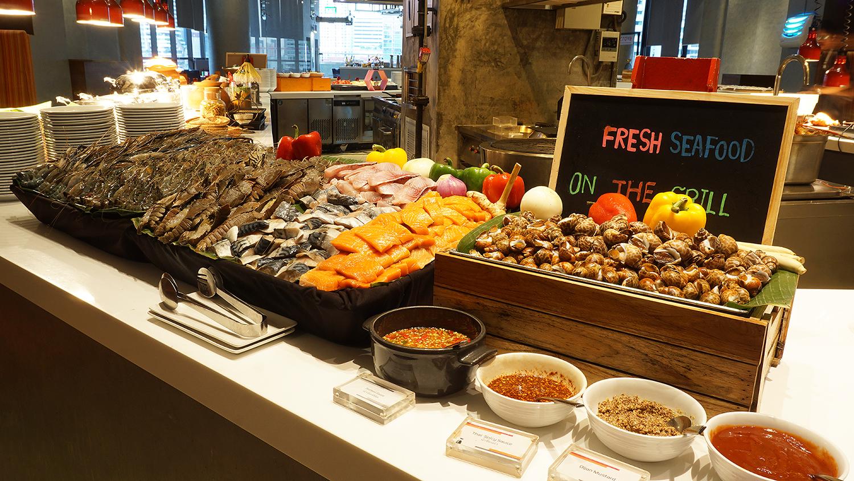 Craving Seafood Market Seafood Dinner Fri-Sat Buffet Crave Wine Bar and Restaurant A Loft Bangkok Sukhumvit 11 8