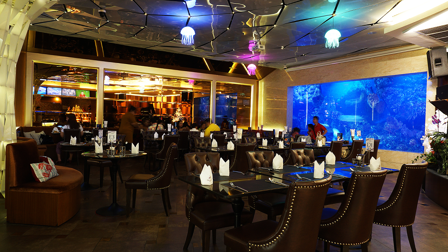 Copper Aquarium Restaurant 1